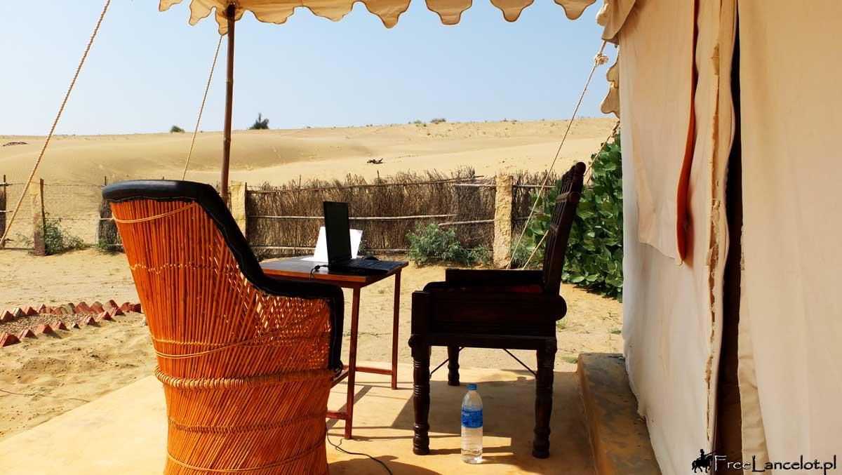 biuro-na-pustyni-thar
